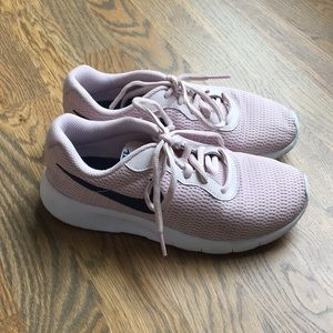 Girls Nike Tennis Shoes, size 4